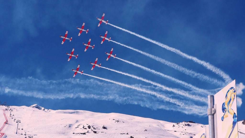 Ein Flugzeug der PC-7-Fliegerstaffel zertrennte Mitte Februar an der Ski-WM in St. Moritz bei einem Trainingsflug das Zugseil einer Seilbahnkamera. Nun eröffnet die Militärjustiz eine Voruntersuchung.