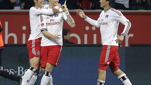 Jansen (mitte) und Guerrero (rechts) schossen den HSV zum Sieg