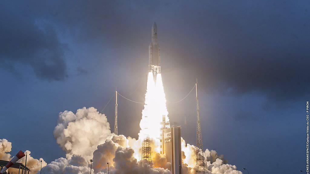 Ariane-5-Rakete mit zwei Satelliten gestartet