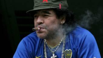 Maradona war auch zu seiner Aktivzeit dem Nikotin nicht abgeneigt
