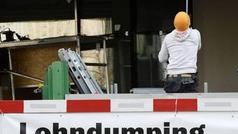 Die Generalunternehmerin sorgt zusammen mit den fehlbaren Subunternehmen dafür, dass die betroffenen zehn Arbeiter zu ihrem Geld kommen. (Symbolbild)