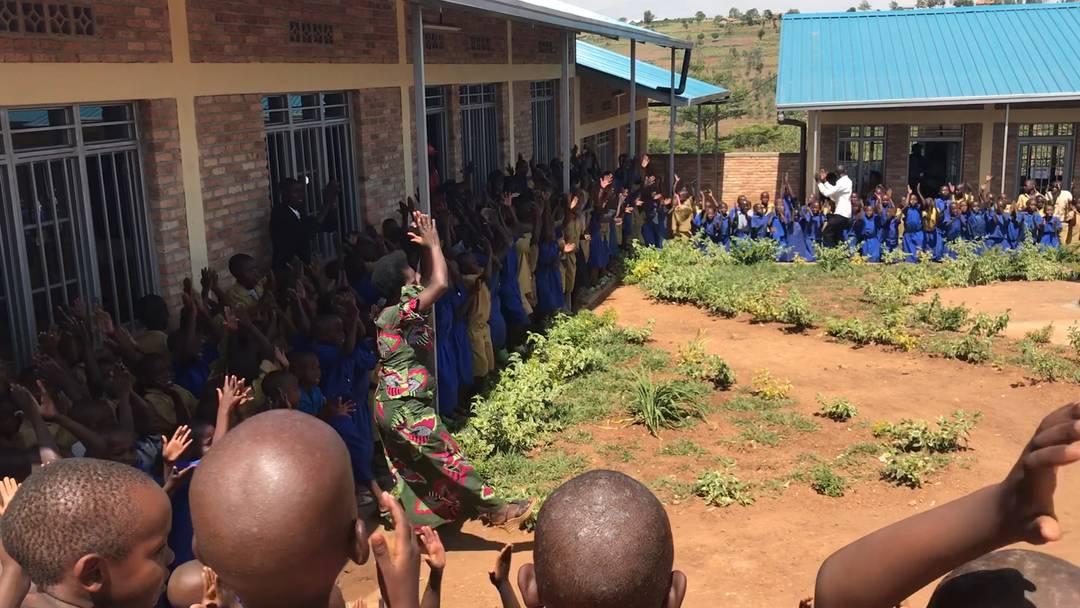 Ruanda: Wahrhaftige Freudentänze