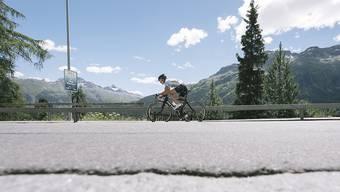 Nicola Spirig fährt im Duathlon von St. Moritz zum Sieg. (Archivbild)