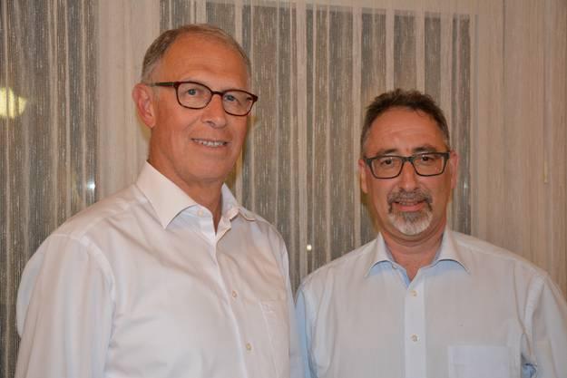 Der abtretende Kassier Robert Hunziker (li) und sein Nachfolger Roland Frick (re)