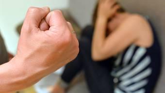 In Basel gab es deutlich mehr gemeldete Fälle von häuslicher Gewalt. (Symbolbild)
