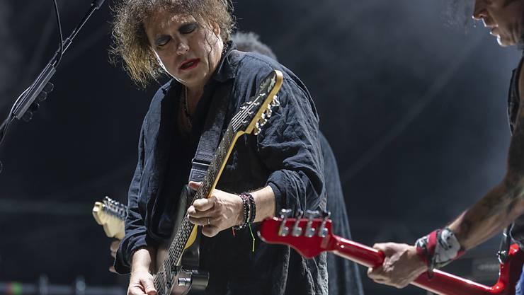 The Cure feierten am Paléo ihr 40. Bandjubiläum: Sänger Robert Smith (links) zusammen mit dem Bassisten Simon Gallup während ihres mitreissenden Konzerts.