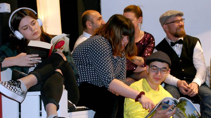Drei junge Darsteller stehen erstmals auf der Hottwiler Bühne: Noemi Lakatos (v.l.), Tehya Senn und Sebastian Leber.