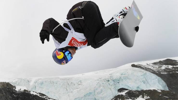 Iouri Podladtchikov gewinnt den Weltcup-Event auf dem Allalin-Gletscher in Saas Fee