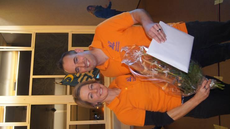 Rita Villars (als neu ernanntes Ehrenmitglied) und Rolf Egli (Präsident)
