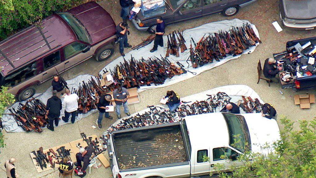 Die Polizei in Los Angeles hat am Mittwoch (Ortszeit) ein Mega-Waffenlager ausgehoben.