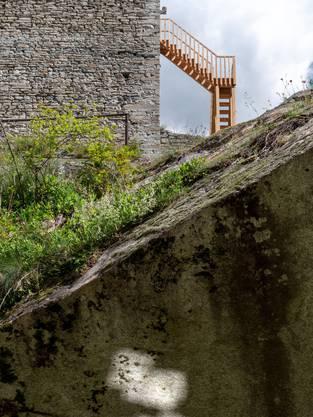 Was versteckt sich im Turm? Roman Signer baut eine Treppe und sorgt so für Ein- und Weitblick.
