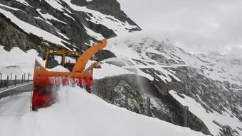 Schneeräumung auf dem Sustenpass