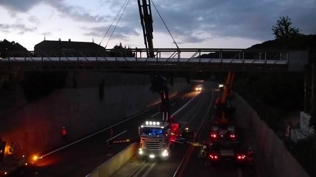 Baustelle A18 – eine Brücke wird gebaut.