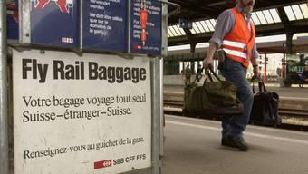 Die SBB plant einen Abbau beim Check-in an den Bahnhöfen und bietet dafür ein Haustür-Check-in an (Symbolbild)