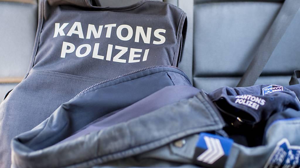 Untersuchung: Ein ausserkantonaler Experte wird den Polizeieinsatz vom 11. April in Wettingen untersuchen. Die Kantonspolizei hatte einen drohenden Mann festgenommen und in eine psychiatrische Klinik eingewiesen. (Symbolbild)