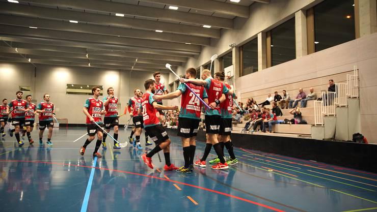 Jubel der Männer von UBR nach dem Sieg und Gewinn des NLB-Halbfinals