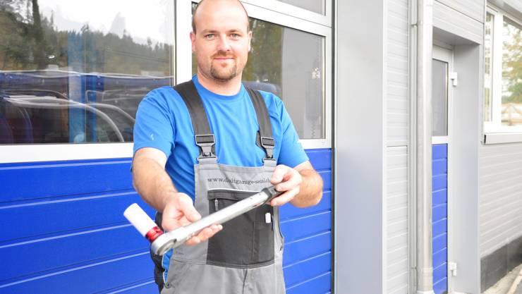 Legen Sie selber Hand an: In der Garage von Patrik Müller wird man selbst zum Handwerker. (Bild: Roman Schenkel)