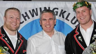 Für Landammann Alex Hürzeler sind Guido (links) und Mario Thürig (rechts) sportliche Vorbilder und Aushängeschilder für den Aargau. WR