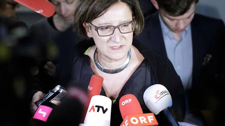 """Österreichs Innenministerin Mikl-Leitner will """"keinen Millimeter"""" abweichen von ihrer Position in der Flüchtlingskrise."""