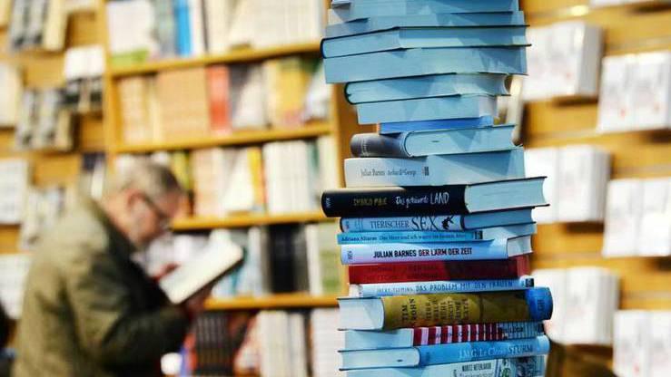 Neue sollen Gewinner des Wettbewerbs zu einer Lesetour durch die Zentralschweiz eingeladen werden.
