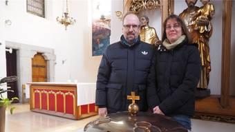 Diakon Stephan Kochinky wird Mirjam Kaufmann in der Osternacht taufen. fam