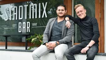 Die neuen Hausherren in der Stadtmix Bar: Dilan von Däniken (links) und Janick Rohner.