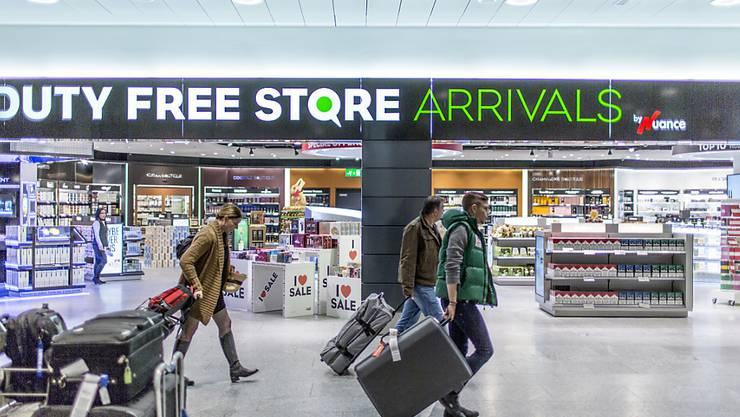 Ein Duty Free Shop am Flughafen Zürich (Archiv)
