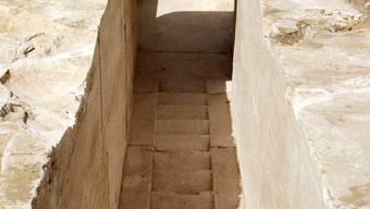 Sensationeller Fund 30 Kilometer südlich von Kairo in der Nähe der so genannten Knickpyramide des Snofru: die Überreste einer Pyramide der 13. Dynastie - aus der Zeit vor rund 3700 Jahren.