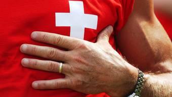 Mit dem nahenden Geburtstag der Schweiz entbrennt die Debatte um die Nationalhymne erneut. (Symbolbild)