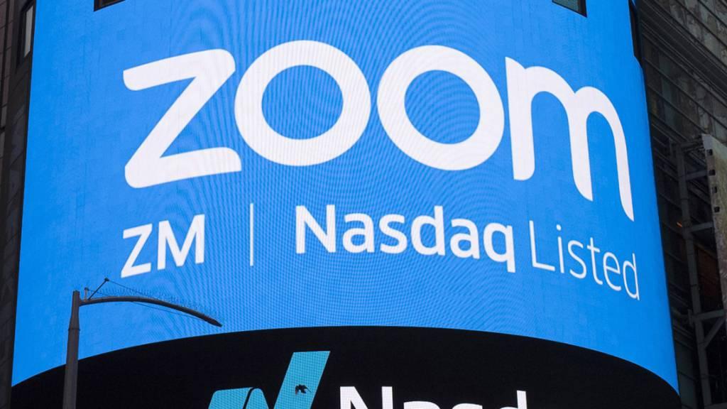 Der Videokonferenzdienst Zoom hat im ersten Quartal 2021 Umsatz und Gewinn massiv gesteigert. Das Home-Office in der Corona-Pandemie hat seine Spuren hinterlassen. (Archivbild)