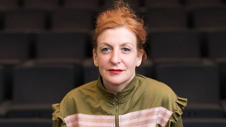 Die spanisch-schweizerische Choreografin, Tänzerin und Künstlerin Maria Ribot, La Ribot, ist 2019 mit dem Schweizer Grand Prix Tanz 2019 ausgezeichnet worden.