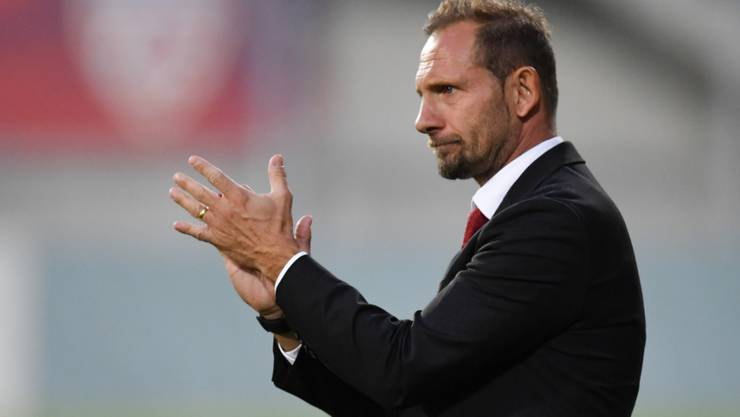 Applaus für die Spieler von U21-Nationalcoach Mauro Lustrinelli