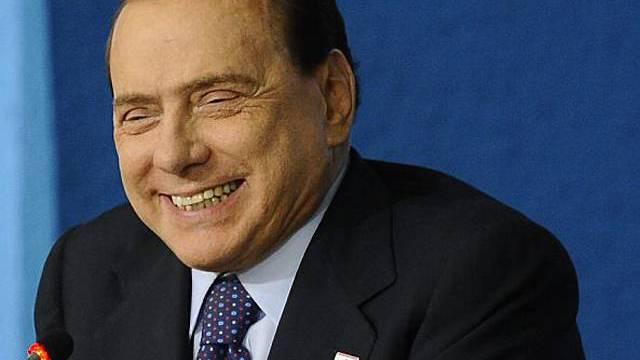 Berlusconi kann wieder lachen (Archiv)