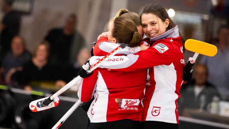 An der Schweizer Meisterschaft konnte Lisa Gisler (r.) noch mit ihrem Team jubeln.