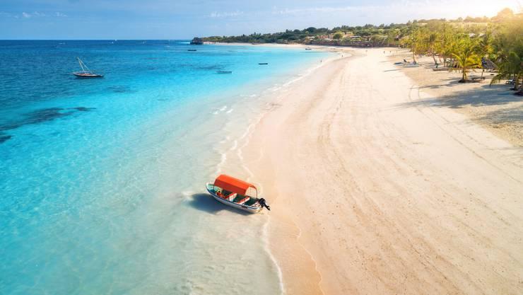 Sansibar ist für wunderschöne weisse Sandstrände berühmt. Doch wer nur im Liegestuhl fläzt, verpasst viel. Bild: Getty Images