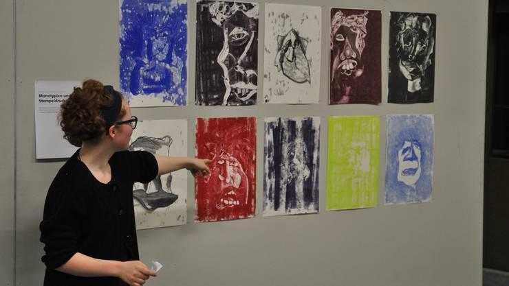 Dorothée Heim präsentiert die expressiven Porträts.