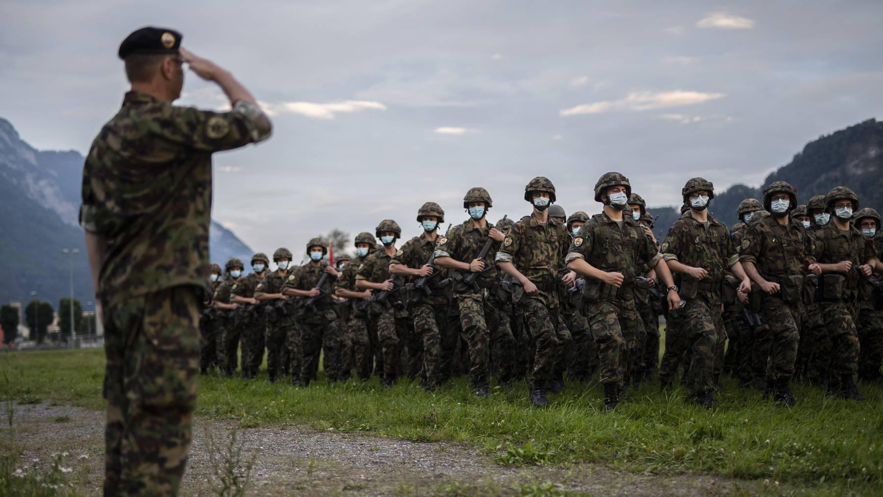 Die Armee beendet heute Dienstag offiziell ihren Corona-Einsatz. Für das Infanteriebataillon 65 der Schweizer Armee, hier im Bild, endete der Assistenzdienst bereits vor zwei Wochen.