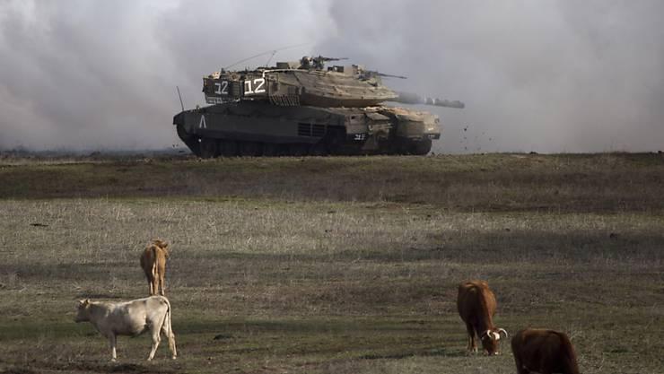 Ein israelischer Panzer aus der Bauserie Merkava. Diese wurde für den Kampf gegen die Armeen der arabischen Nachbarstaaten entwickelt. (Archivbild)