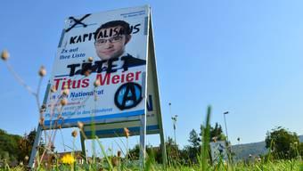 Verschandelte Wahlplakate in Brugg-Lauffohr