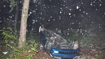 Das Unfallauto, ein blauer BMW Cabrio