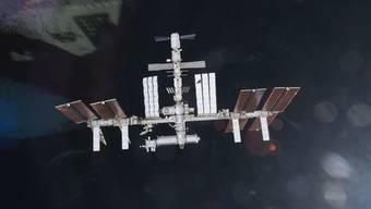 Die Weltraumtrümmer flogen in 23 Kilometer Entfernung an der Internationalen Raumstation ISS vorbei (Archiv)