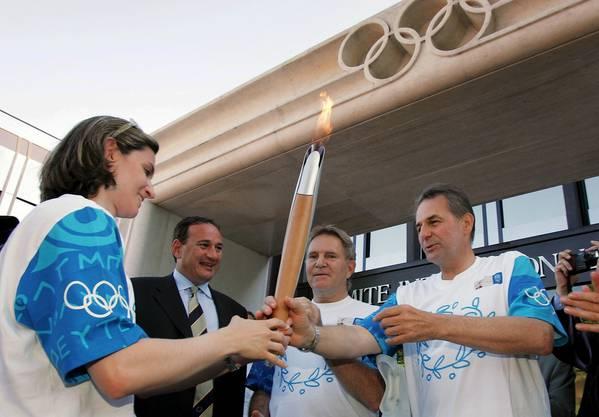 Bürki am Sitz des Olympischen Komitees in Lausanne, 2004.