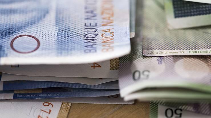 SVP, FDP und CVP stimmten gegen die Steuererhöhung, die mehr Geld in die Kantonskasse gespühlt hätte. (Symbolbild)
