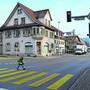 Die Ampeln der Sternenkreuzung sollen bald alle auf Rot stehen, wenn Schüler die Strassen überqueren.