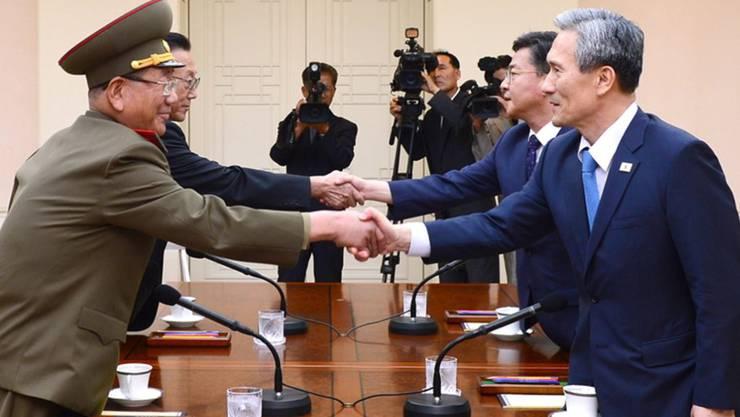 Die ersten Gespräche zwischen den beiden Koreas seit einem Jahr sollen am Sonntagnachmittag fortgesetzt werden.