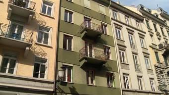 Der Mann stürzte aus dem dritten Stock dieses Gebäudes in die Tiefe - und verstarb.