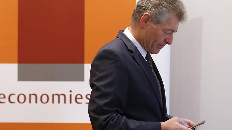 """Der Präsident von Economiesuisse, Heinz Karrer, erklärt in einem Interview mit der """"NZZ"""", was der Wirtschaftsdachverband aus Abstimmungsniederlagen für Lehren gezogen hat. (Archivbild)"""