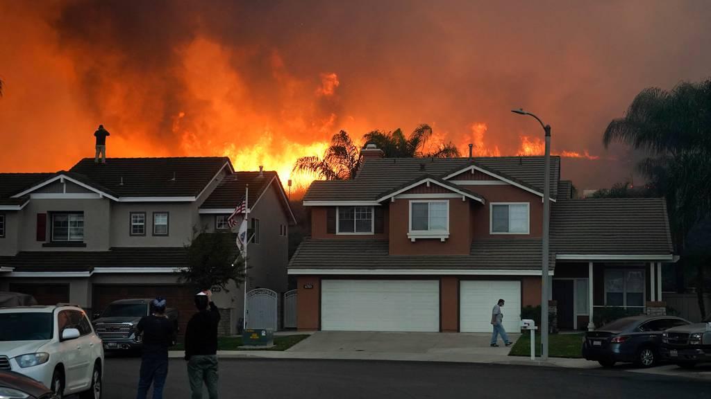 Waldbrände, wie hier in Kalifornien, trieben 2020 die Kosten der Versicherungsbranche in die Höhe.