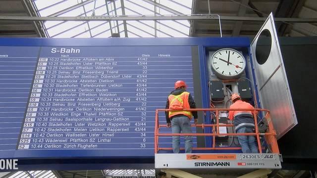 Der Hauptbahnhof Zürich hat eine moderne LED-Digitalanzeige