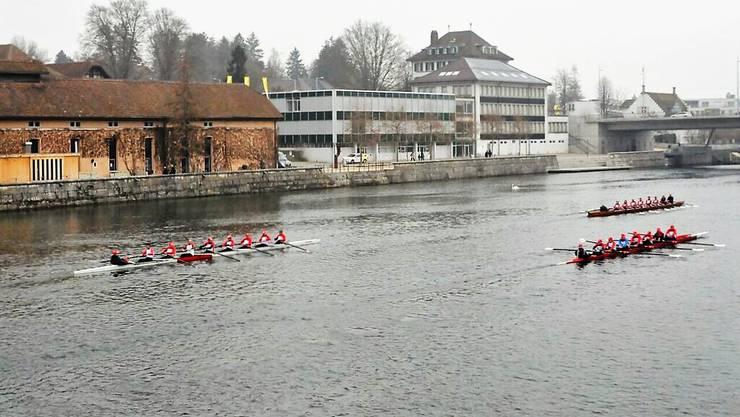Zum Frühlingsbeginn mit drei Achterboote des SRC als Corso durch die Stadt (Bild: Jürg Nievergelt)